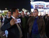 """رئيس الوزراء وزوجته فى زيارة لـ""""سوهو سكوير"""" بشرم الشيخ.. فيديو"""
