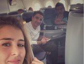 """حسن الرداد وعائشة بن أحمد فى الطائرة إلى باريس من أجل """"توأم روحى"""""""