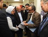صور.. وزيرة الصحة ومحافظ بورسعيد يتفقدان سير العمل بمستشفى الحياة بورفؤاد