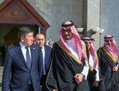 صور.. رئيس الجمهورية القيرغيزية يصل المدينة المنورة