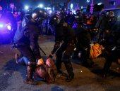 اشتباكات عنيفة بين متظاهرين والشرطة عقب مباراة الكلاسيكو الإسبانى