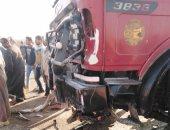 أول صور لموقع حادث تصادم سيارة نقل بأخرى نصف نقل بالمنوفية ومصرع 12 شخصا
