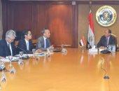 وزير الصناعة يلتقى وفد شركة تويوتا العالمية لاستعراض مشروعاتها بالسوق المصرى