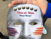 الشرطة الإسبانية تصادر أقنعة ميسى عقب الكلاسيكو.. فيديو