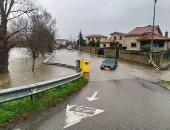 شاهد منازل تغرق وسيارات تعوم ووفيات فى موجة فيضانات بإسبانيا × 5 فيديوهات