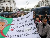 الجزائريون يواصلون الاحتجاج بعد تنصيب رئيس جديد