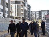 مساعد نائب وزير الإسكان يتفقد المشروعات الجارى تنفيذها بالقاهرة الجديدة