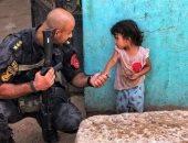 5 صور إنسانية لرجال الشرطة لا تراها المنظمات المشبوهة ودكاكين حقوق الإنسان