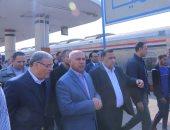 صور.. وزير النقل يتفقد محطة سكة حديد المنيا.. ويؤكد: نتسابق لخدمة الركاب