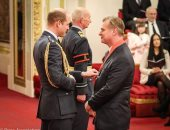 الأمير ويليام يمنح كريستوفو نولان القلادة الملكية البريطانية مبتكر شخصية الجوكر