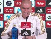زيدان: توقعت فوز برشلونة على أتلتيكو.. وريال مدريد محظوظ