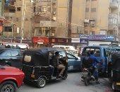 شكوى من فوضى انتشار التكاتك والمكروباصات بشارع العشرين فيصل