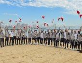 نجوم ليفربول يحتفلون بكأس العالم للأندية على شواطئ قطر