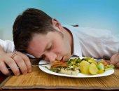 أسباب تجعلك تشعر بالتعب بعد الأكل.. منها عدم المضغ جيدًا
