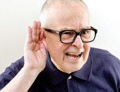هل يؤدى ضعف السمع إلى زيادة خطر الإصابة بالخرف؟