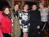 لبلبة وليلى علوى وإلهام شاهين يحتفلن بعيد ميلاد الفنان سمير صبرى.. صور