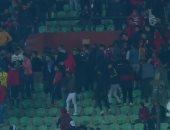 فيديو.. جمهور الأهلى يغادر المدرجات فى الدقيقة 40 أمام بلاتينيو