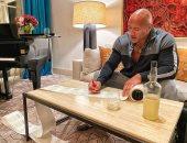 """بعد ما جاب آخر التمثيل.. دوين جونسون ينتج """"تكيلا يدوية"""" بتوقيع خاص"""