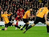 ليفربول يتقدم 1-0 والحكم يلغى هدف تعادل وولفرهامبتون في شوط مثير.. فيديو