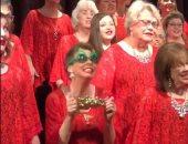 """""""ودى رقصة المجنونة"""".. قصة فيديو قلب السوشيال ميديا لأغرب احتفال بالكريسماس"""