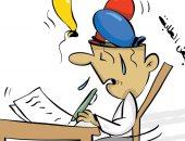 كاريكاتير صحيفة كويتية.. عدم تركيز الطلبة فى لجان الإختبارات