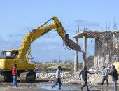 صور.. محافظ الإسكندرية يقود حملة مكبرة لإزالة التعديات على بحيرة مريوط