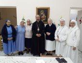 بطريرك الكاثوليك يلتقى الراهبات المتطوعات للخدمة بالمستشفى الإيطالى بالعباسية