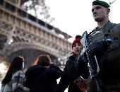 الأمن الفرنسى يخلى برج إيفل عقب تهديد بوجود قنبلة
