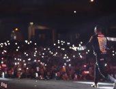 بدأ الحفل من السماء.. حشود جماهيرية فى حفل محمد رمضان بالمغرب.. فيديو