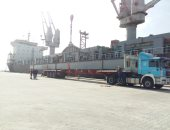 صور.. معدات كوبرى الفردان تصل موقع العمل والسفينة CS flourish تغادر ميناء شرق بورسعيد