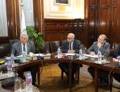 """وزير الزراعة يوجه بتدقيق بيانات """"كارت الفلاح"""" وتعميمها بجميع المحافظات"""