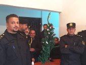 القبض على شجرة كريسماس يثير الجدل فى ليبيا.. اعرف القصة × 5 صور