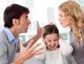 زوج يطالب بحبس زوجته والسبب: سكبت الزيت المغلى على جسدى لرفضى غيابها عن المنزل