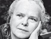 س و ج.. الشاعرة الألمانية إيفا شتريتماتر فقدت عائلتها فى 9 أشهر