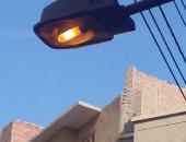 قارئ يشكو من ترك أعمدة الكهرباء مضاءة نهارا فى حى المصاص ببندر المنيا