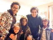 أحدث ظهور للكينج مع عائلته بعد قلق جماهيره عليه لإلغائه حفل رأس السنة