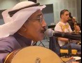 """تركي آل الشيخ يحضر بروفات """"عبد الله الرويشد"""" استعدادا لحفلة بموسم الرياض"""