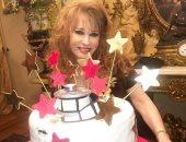 جمالها هو هو مبتكبرش.. النجمة نيللى تتألق فى احتفالها بعيد ميلادها.. صور