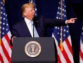 سيناتور ديموقراطية عن محاكمة ترامب : جلسات للعزل وليست عرض تلفزيونى