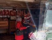 صور .. حملة تفتيش بيئى على المحلات والمطاعم بحى الجمرك بالإسكندرية