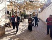 صور.. رئيس مدينة طوخ يتفقد الكنائس لمتابعة استعدادات عيد الميلاد المجيد