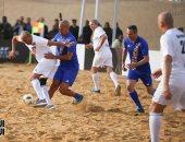 أساطير كرة القدم في العالم يتألقون تحت سفح الأهرامات