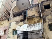 صور.. سقوط أجزاء من عقار بالإسكندرية دون حدوث إصابات