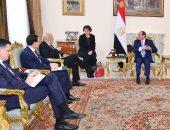 الرئيس السيسى يبحث مع وزير خارجية فرنسا تطورات الأوضاع فى الخليج وليبيا