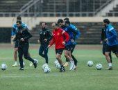 """لاعبو الأهلي يتدربون فى """"الجيم"""" قبل بدء رحلة العودة من زيمبابوى"""