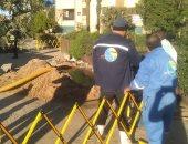 للمرة الثانية.. انفجار خط مياه بكورنيش أسوان والشركة تتدخل للصيانة.. صور