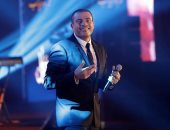 عمرو دياب مهنئا جمهوره: عيد سعيد علينا جميعا