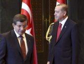 داود أوغلو: أردوغان وحزبه يضيقون الخناق على الإعلام المعارض