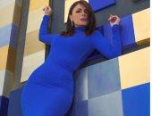 """""""صوت الألوان"""".. جلسة تصوير جديدة لنجلاء بدر بالأزرق"""