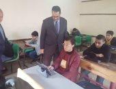 وكيل تعليم الغربية يتفقد سير امتحانات الصف الأول والثانى الثانوى داخل المدارس بطنطا